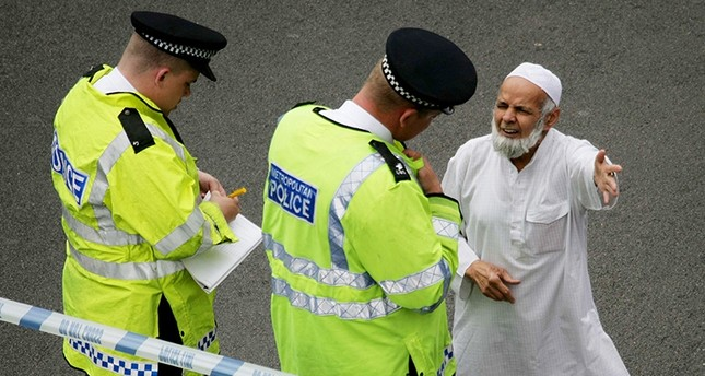 Acid attack threats sent to Muslim homes in UK's Bradford