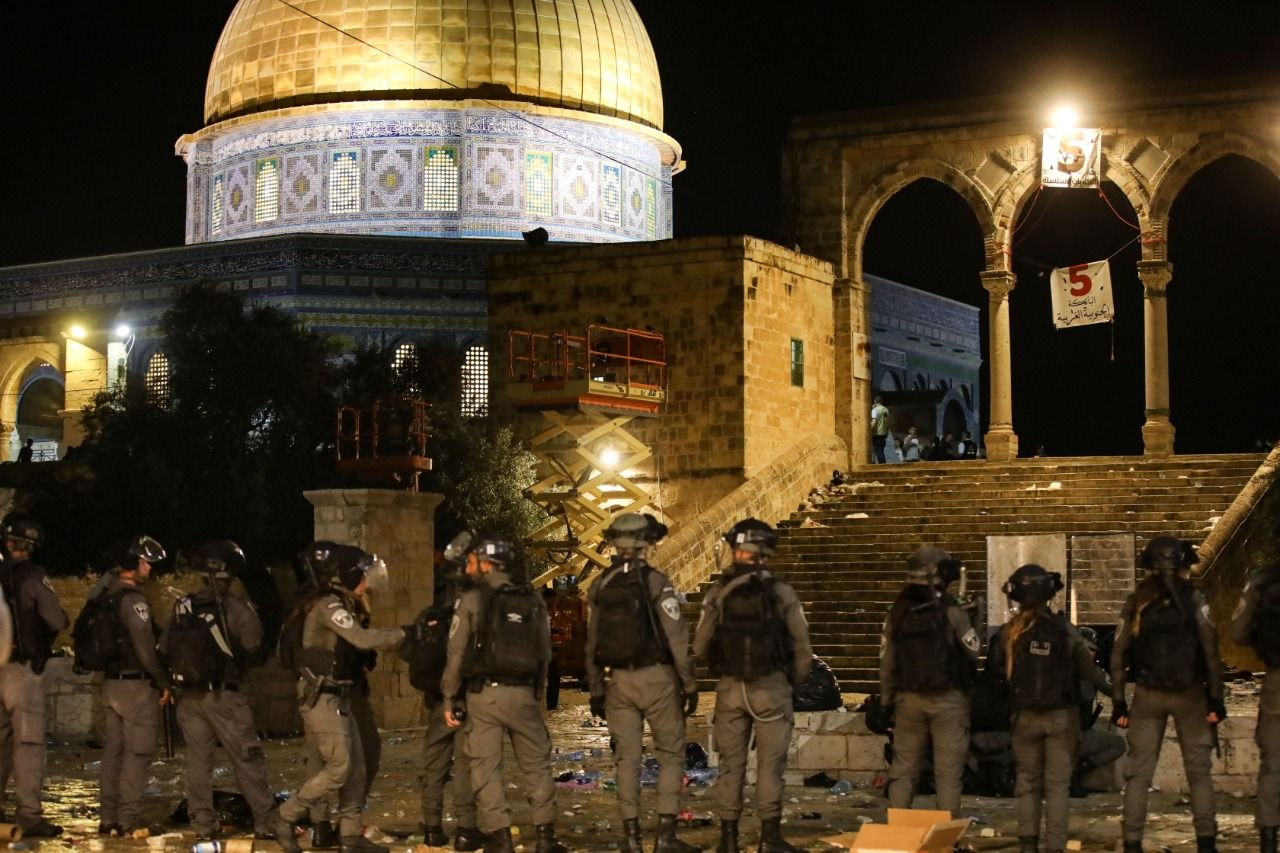 Al-Quds flare-up: 250 more Palestinians wounded in clashes at Al-Aqsa mosque