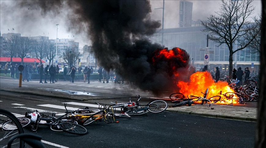 Anti-curfew protesters in Netherlands clash with police