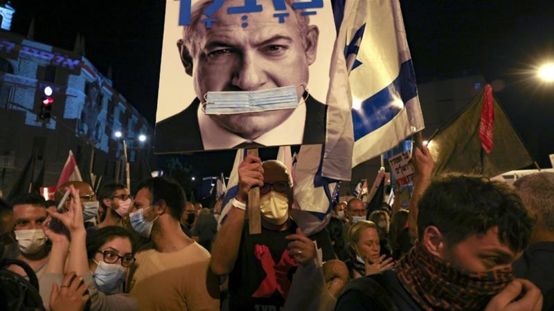 Anti-Netanyahu protesters keep up pressure on Israeli Zionist leader