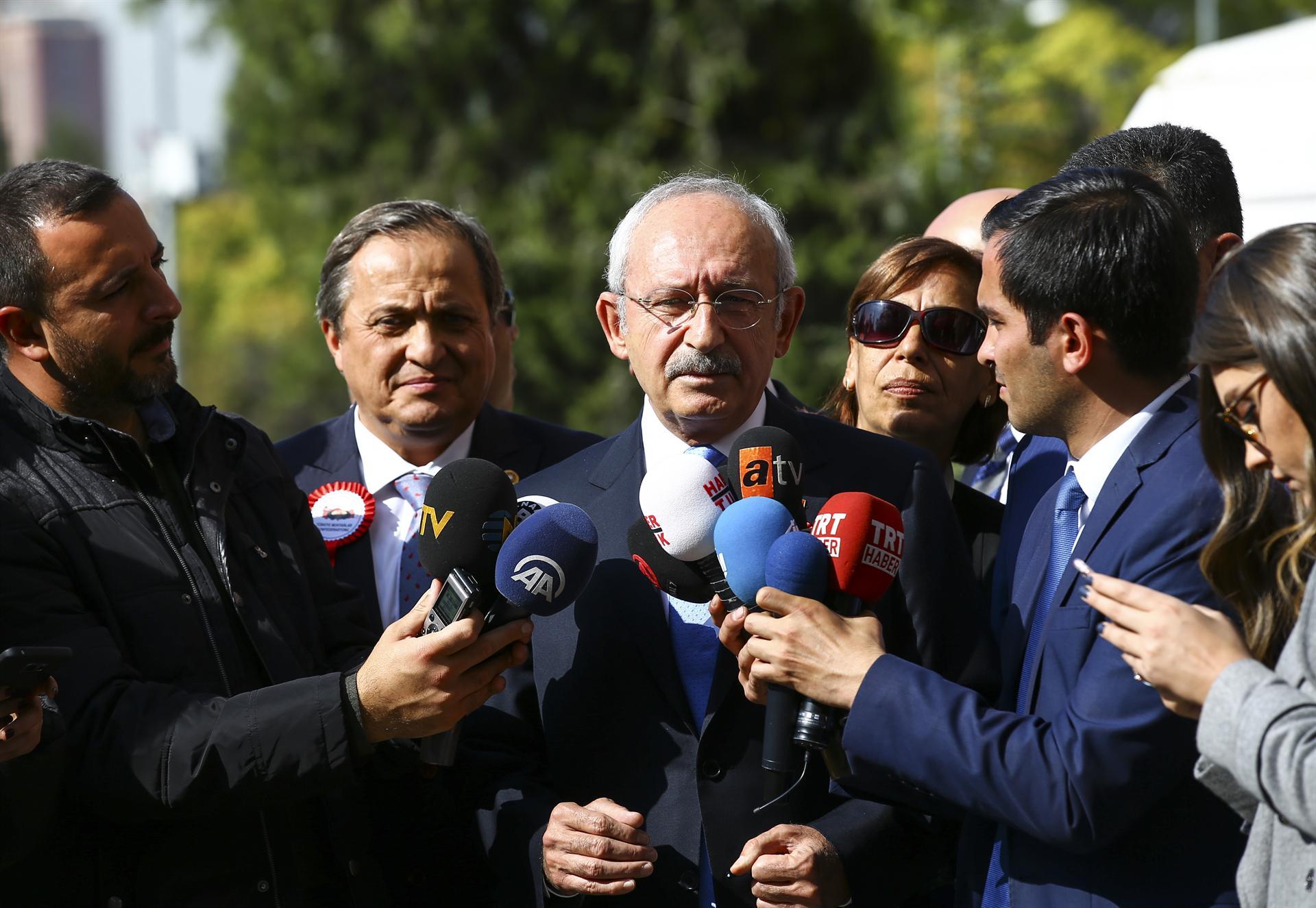 CHP head slams Erdoğan over mayors' resignation