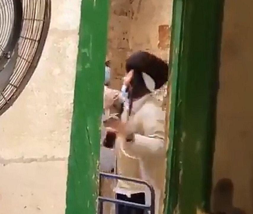 Drunk Zionist Jews raid Masjid al-Aqsa