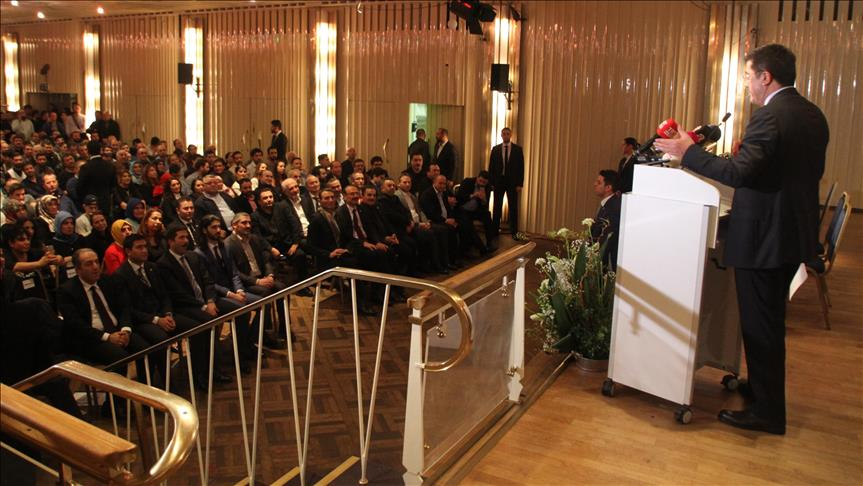 Economy minister Zeybekci meets with Turks in Germany