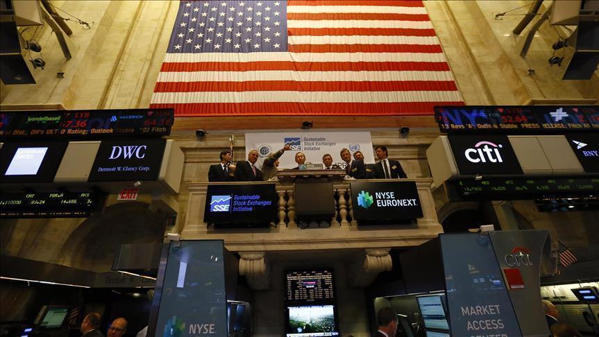 Economy: US stocks end mostly flat