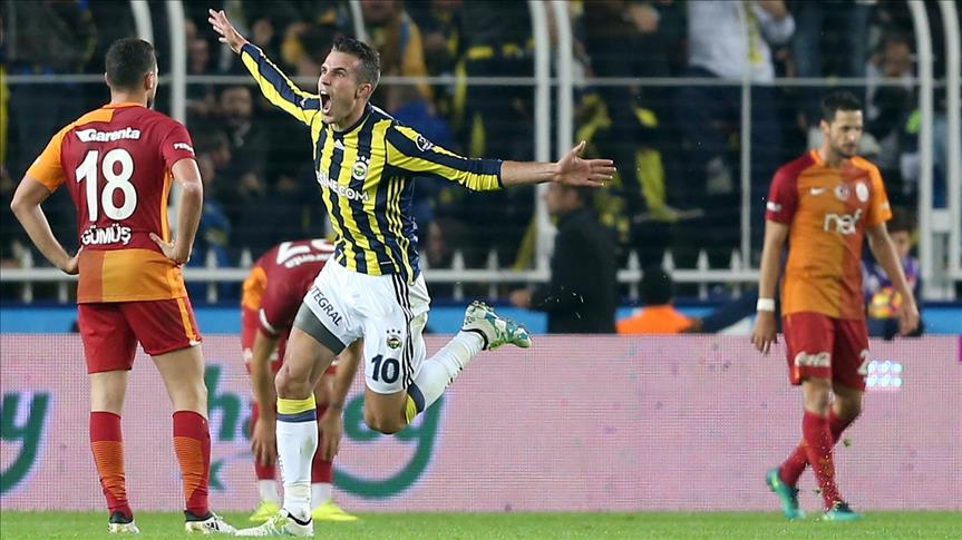 Fenerbahce defeat Galatasaray in Istanbul derby