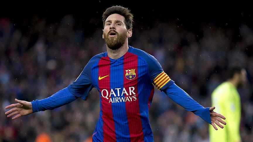 Football: Barca extends Messi's contract until 2021