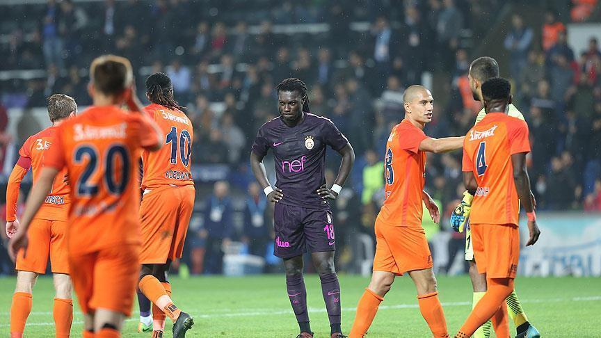Football: Basaksehir trash leaders Galatasaray, 5-1