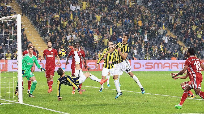 Football: Fenerbahce defeat Sivasspor 4-1 in Super Lig