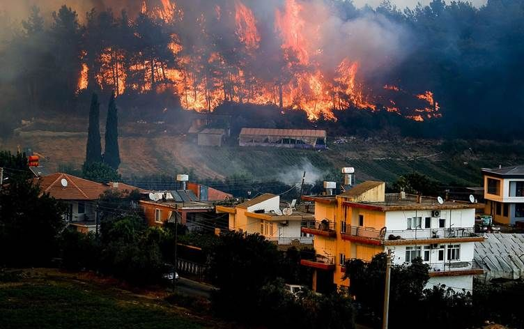 Forest fires continue to rage across Turkey