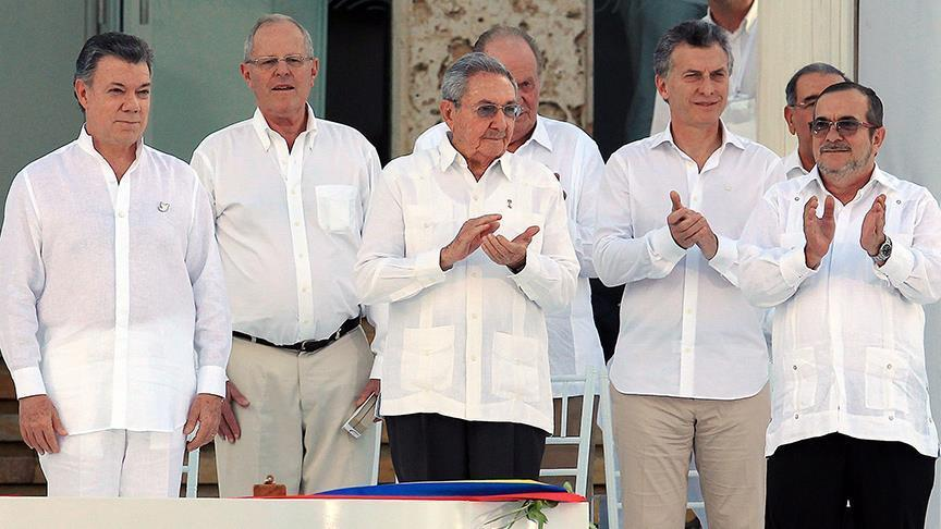 Formal peace deal signed in Colombia