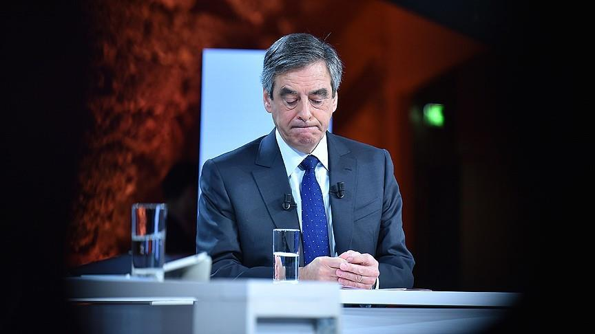 Francois Fillon fights on despite judicial summons