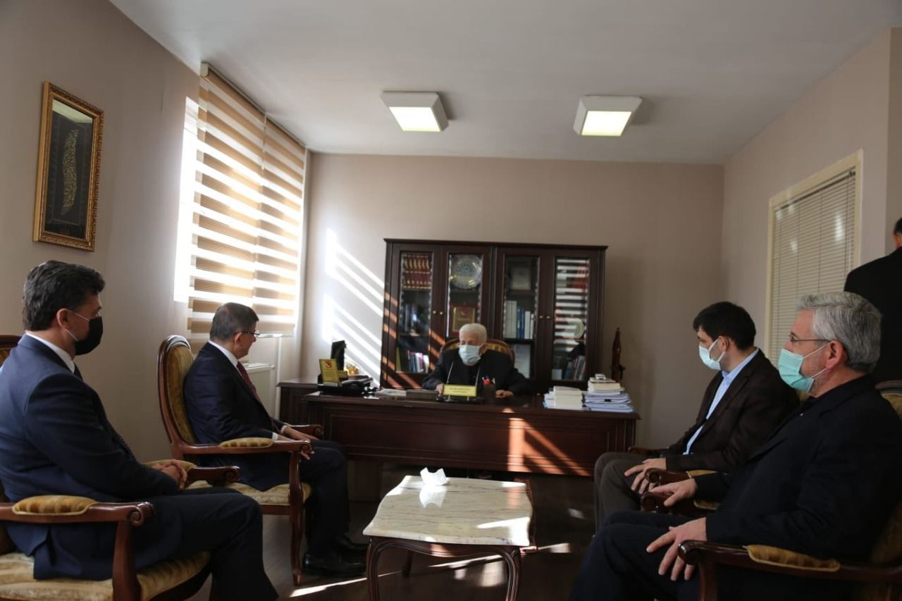Future Party Chairman Davutoğlu visits ESAM Head Recai Kutan