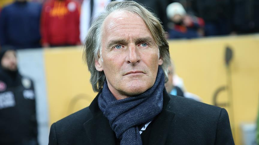 Galatasaray parted ways with Dutch Manager