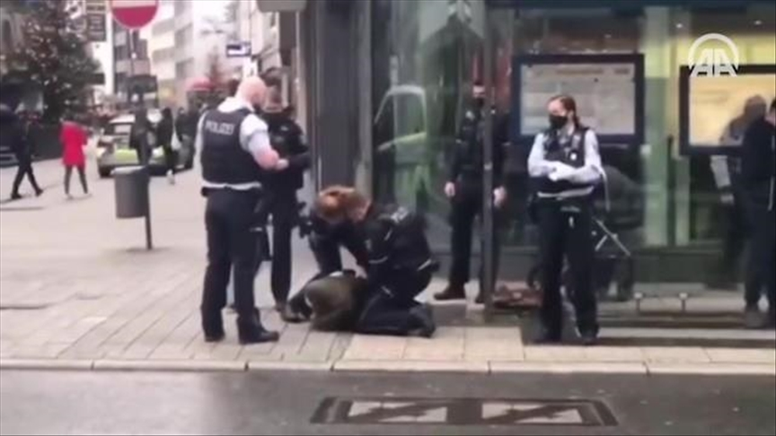 Germany: Police cuff Muslim woman for not wearing mask