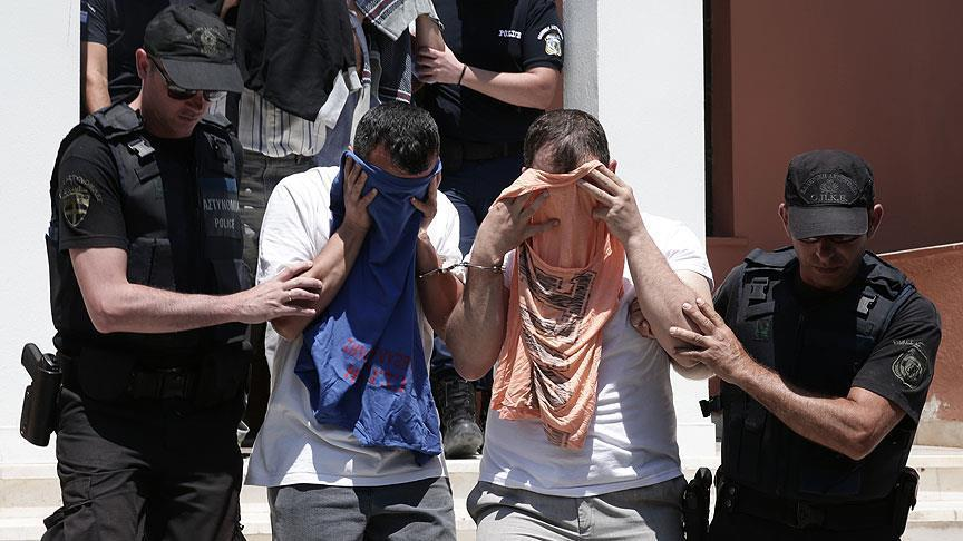 Greece denies asylum to 3 pro-coup Turkish soldiers