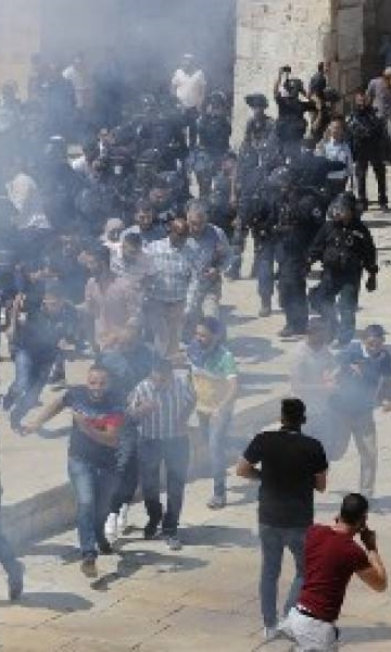 Hamas condemns Israeli 'brutality' against Palestinian worshippers at al-Aqsa