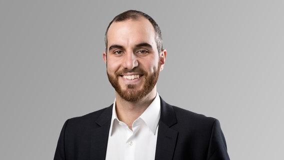 Hanover elects first Turkish-German mayor