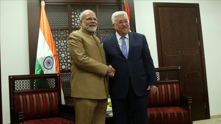 Indian PM arrives in Ramallah for talks with Abbas