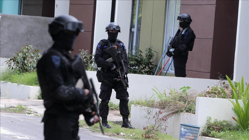 Indonesian Police arrest five for trying to join Daesh