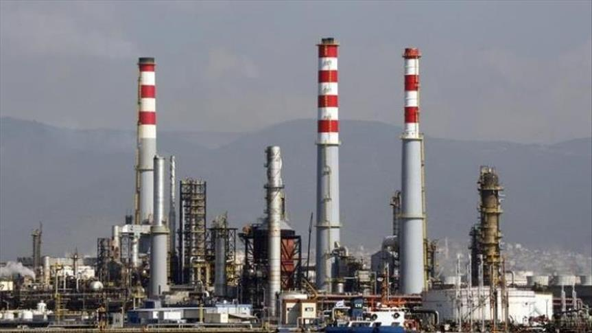 Iran to construct 12 new oil and gas refineries