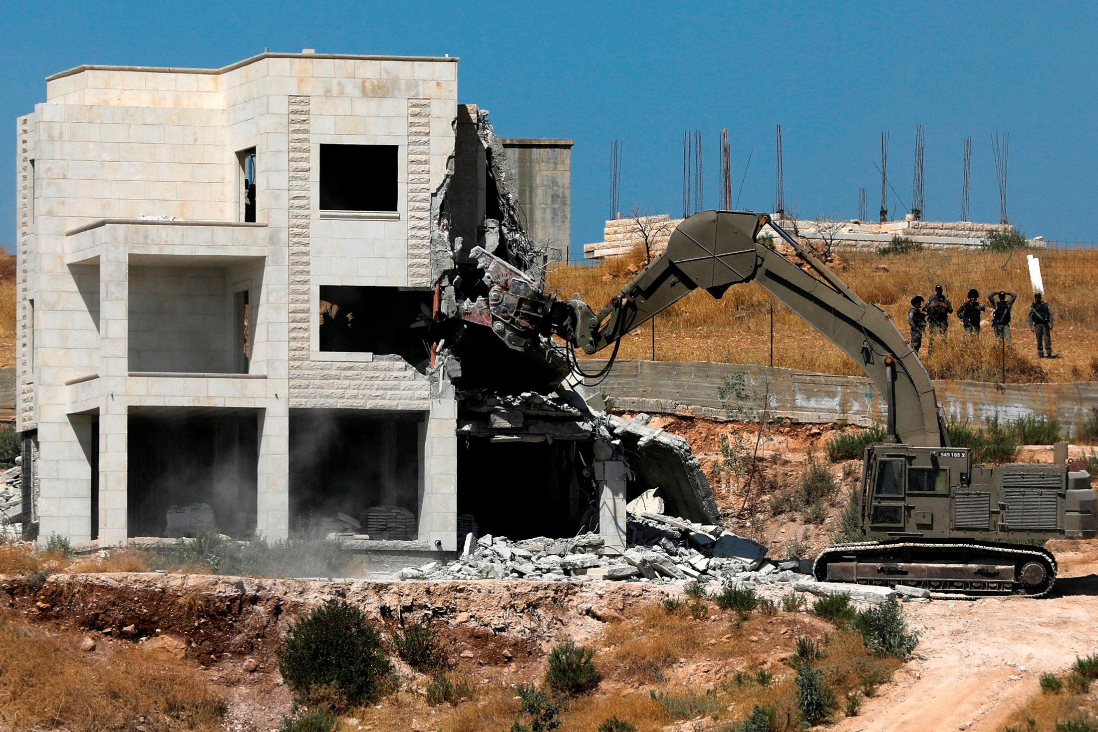 Israel to demolish 30 Palestinian houses in an East Jerusalem neighborhood