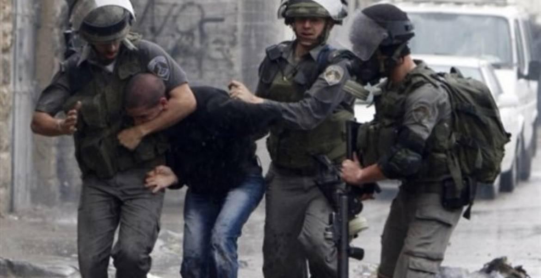 Israeli occupation forces arrest five Palestinians in West Bank
