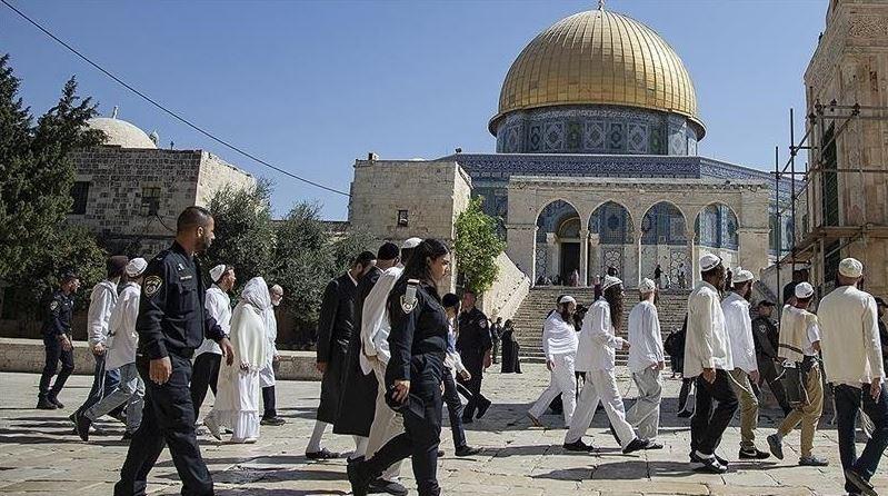 Israeli occupier settlers storm Al-Aqsa to celebrate Sukkot
