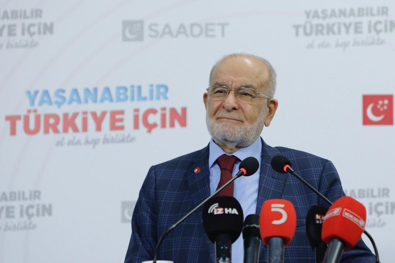 Karamollaoğlu attended his partys Konya Provincial Congress