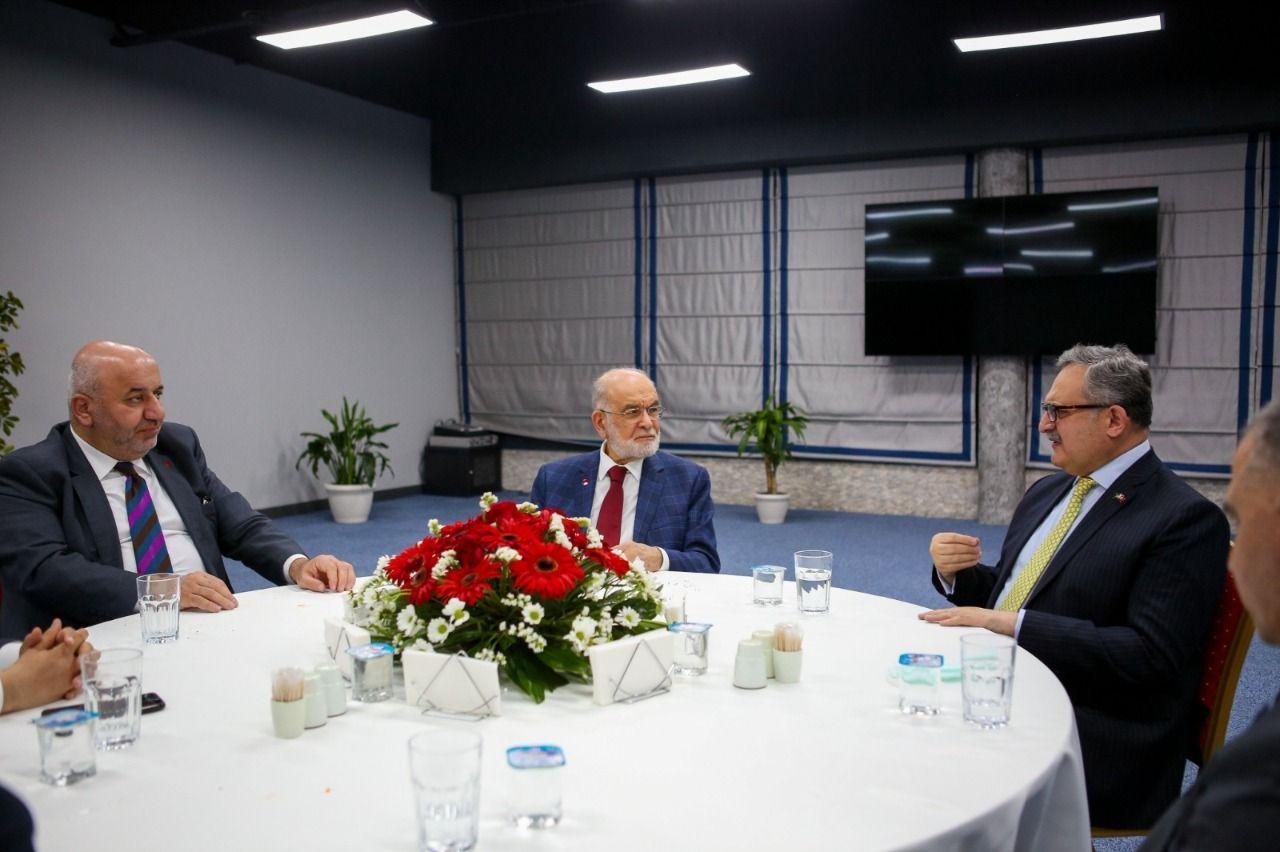 Karamollaoğlu hosts Pakistani Ambassador at Iftar program