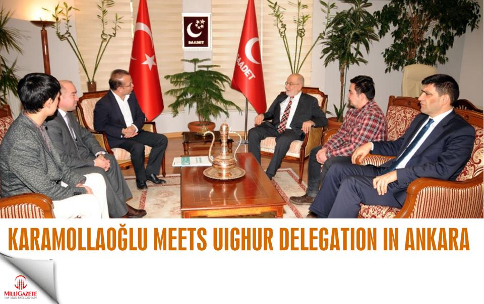 Karamollaoğlu meets Uighur delegation in Ankara