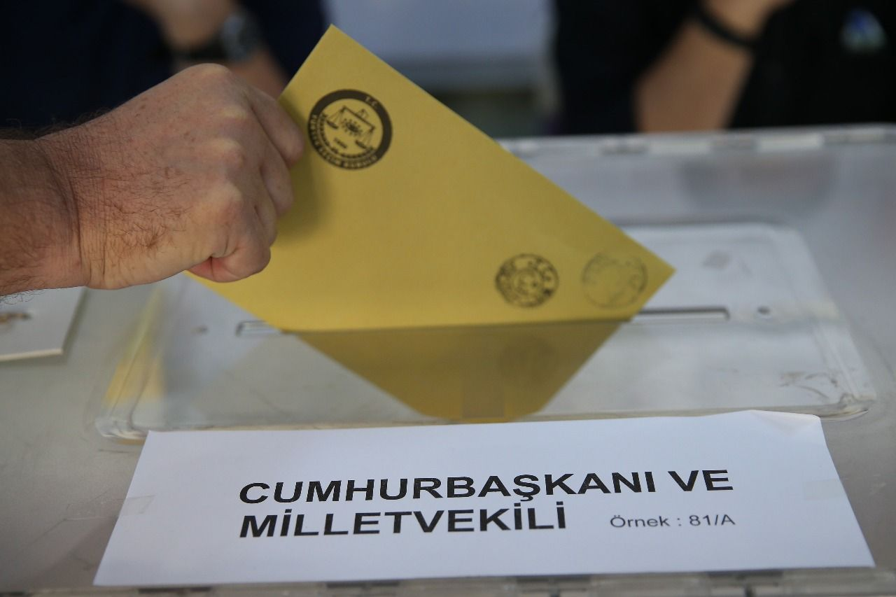 LIVE: First results are becoming clear Turkeys presidential and parliamentary elections