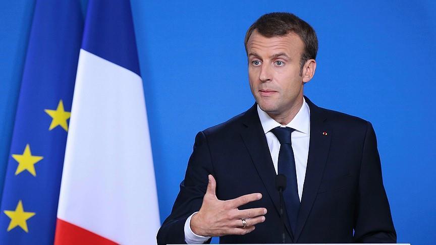 Macron pushes UK on Brexit Irish border issue