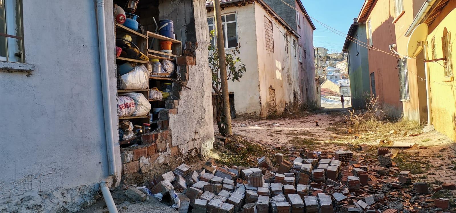 Magnitude 5.3 earthquake hits eastern Turkey