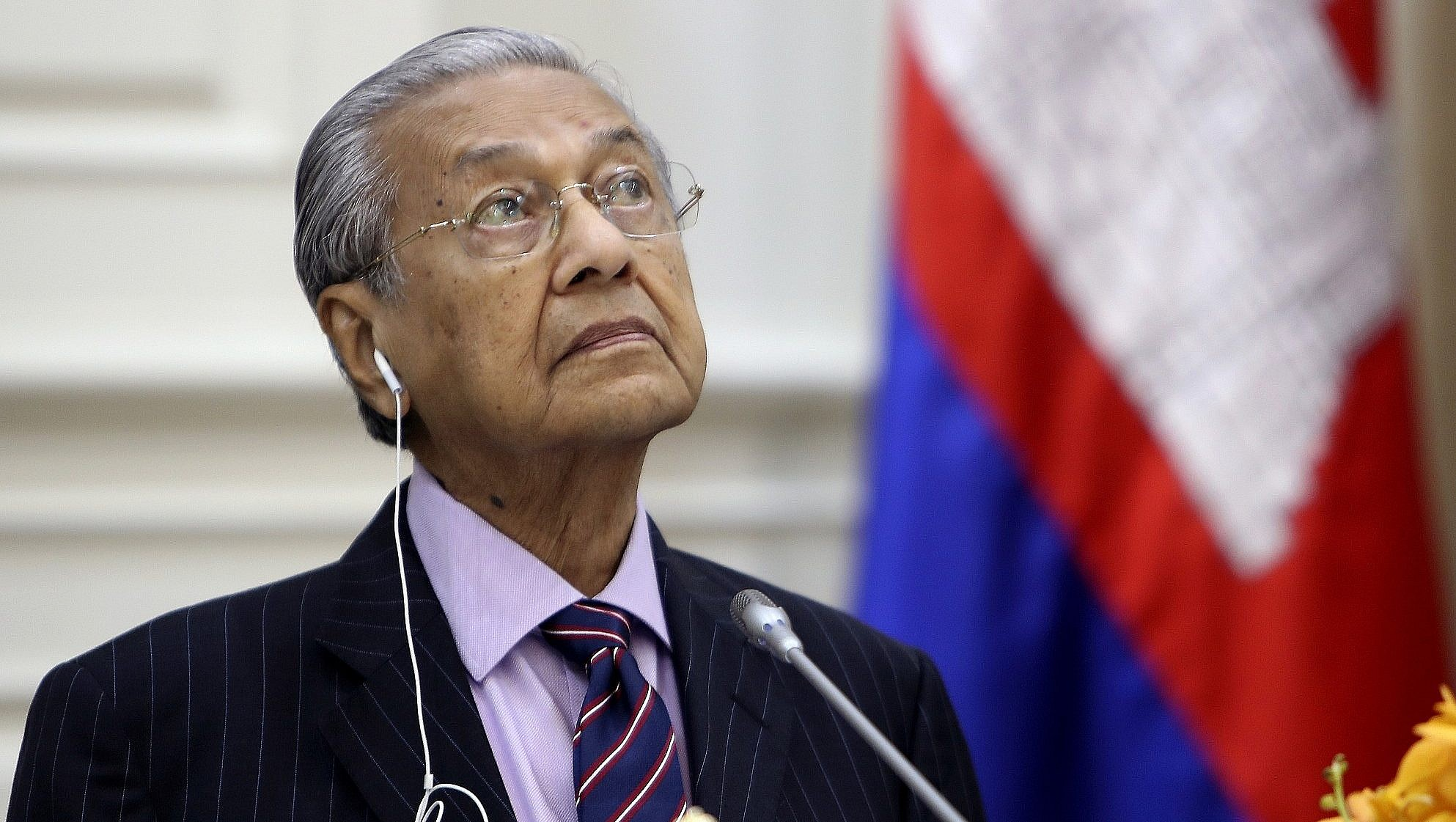 Malaysia's Mahathir submits resignation to king