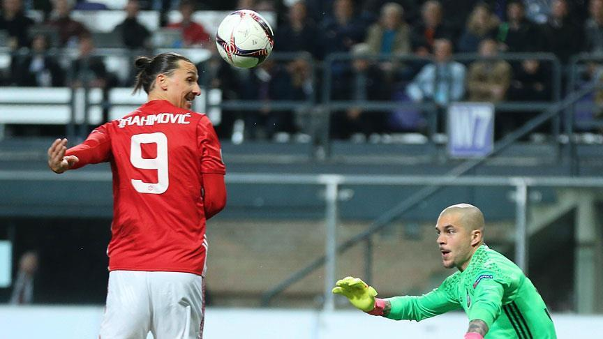 Manchester United star Ibrahimovic leaves club
