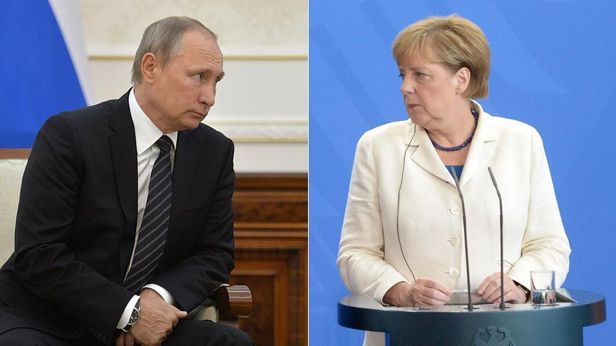 Merkel, Putin discuss Ukraine over phone call