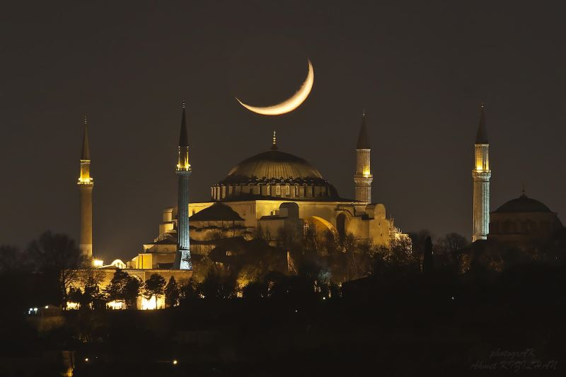 Muslims in Turkey to observe holy night of Barat
