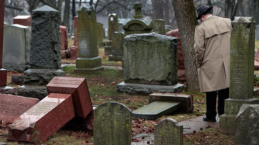 Muslims raise 80K to repair Jewish cemetery