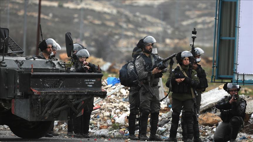 Occupier Israeli forces raid Bethlehem camp, detain Palestinian
