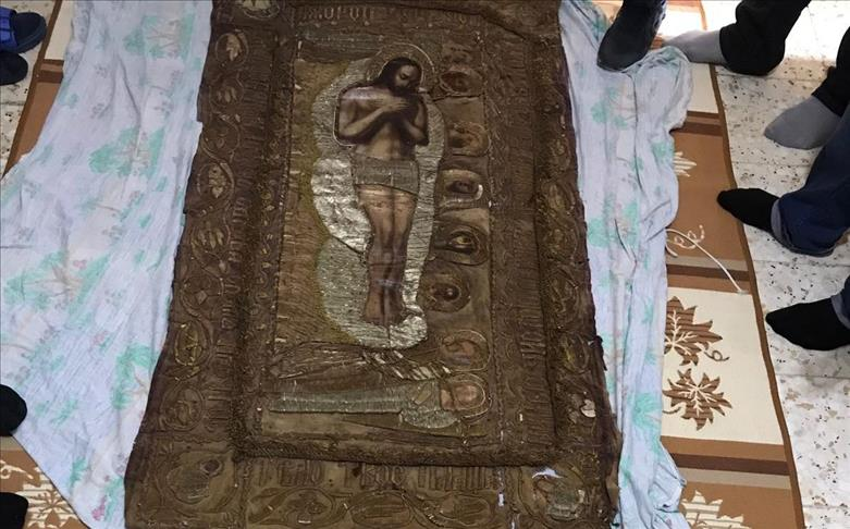 Police seize ancient tapestry in southern Turkey