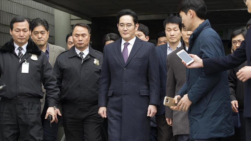 S.Korea: Prosecutors seek 12 years for Samsung boss