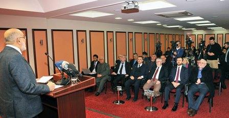 Saadet leader Karamollaoglu: 'Those who say 'YES' are not divider and those who say 'NO' are not traitor'