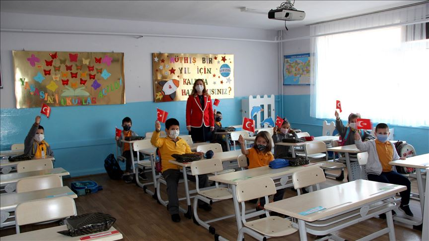 Some Turkish students return to classrooms