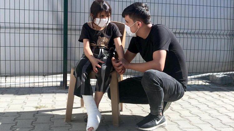 Syrian girl allegedly injured by Greek soldier at Turkish border