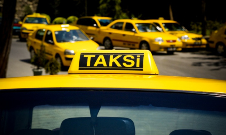 Taxi drivers criticize Istanbul mayor's plan to raise number of licenses