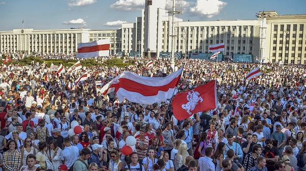 Tens of thousands of people rally against Lukashenko in Belarus