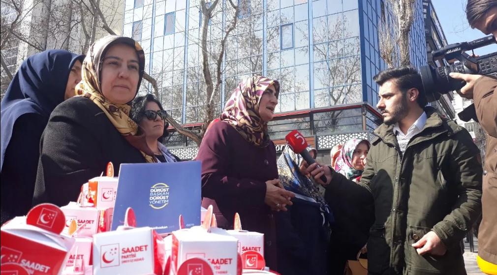 The Turkish nation met Erbakan Hodja