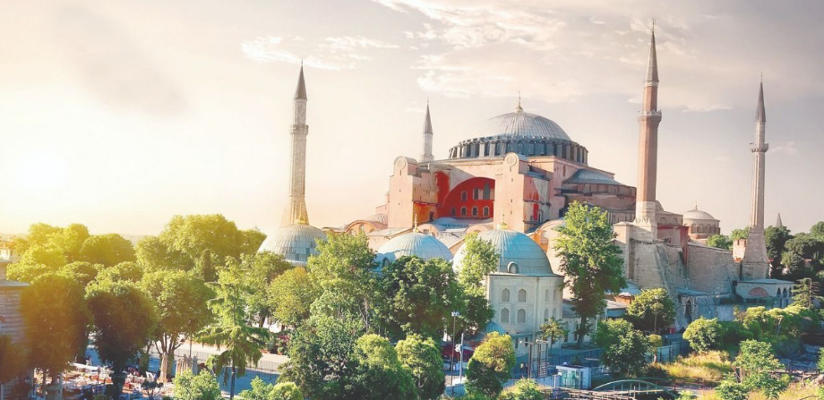 There is no political or legal obstacle for Hagia Sophia