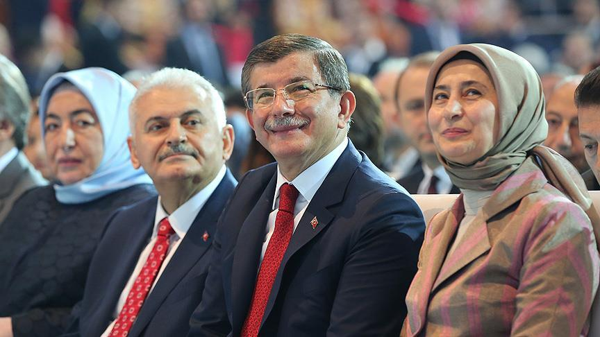 Turkey's former PM Davutoğlu to establish new party in November