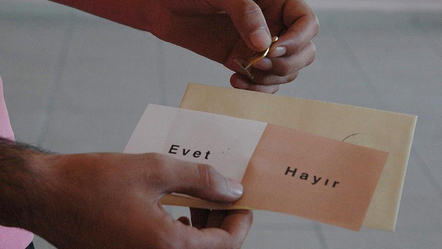 Turkey begins countdown to presidential referendum